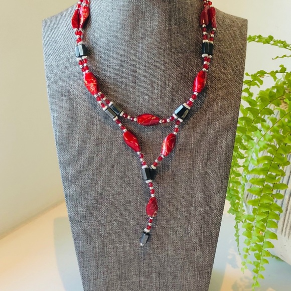 Jewelry - Hematite lariat style necklace w/ red enamel beads